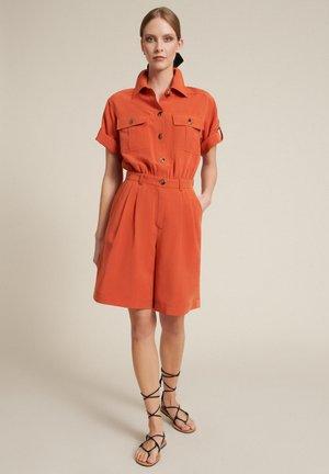 PIRAMIDE - Shorts - arancio