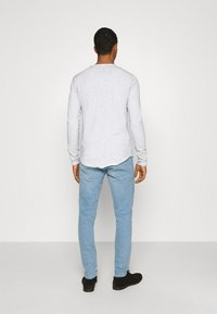 Tigha - CHIBS - Långärmad tröja - vintage concrete grey - 2