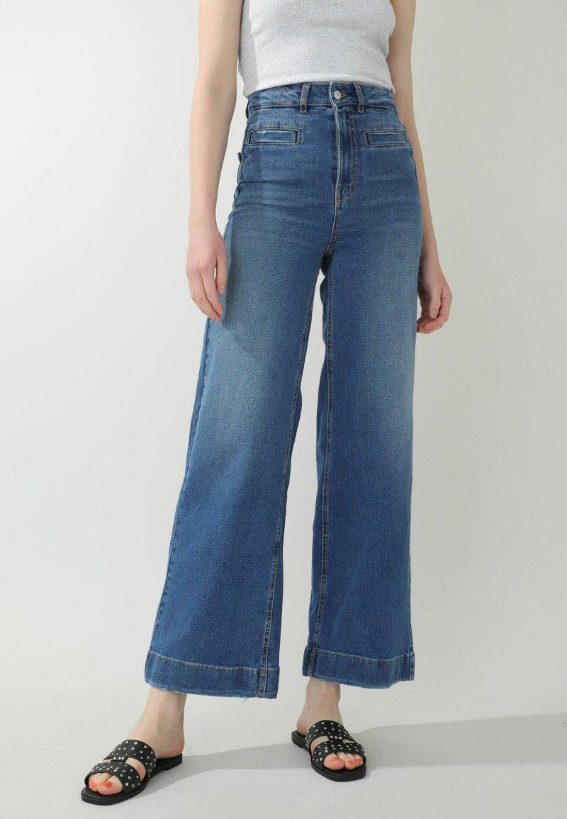 Pimkie - Flared Jeans - denimblau