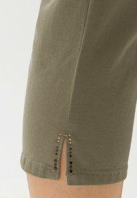 BRAX - MARY - Trousers - light khaki - 4