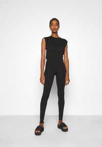 ONLY Tall - ONLOLIVIA - Leggings - Trousers - black - 1