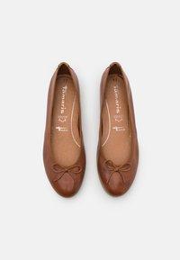 Tamaris - Ballet pumps - cognac - 5