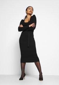 Missguided Petite - MILKMAID BELTED MIDI DRESS - Jumper dress - black - 1