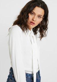 IVY & OAK - Button-down blouse - snow white - 3