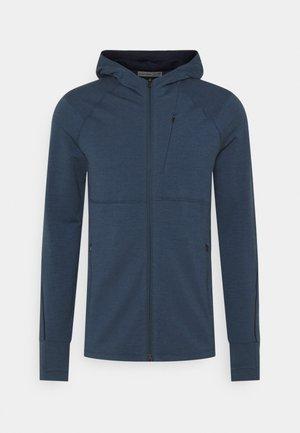MENS QUANTUM ZIP HOOD - Bluza z kapturem - serene blue