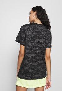 adidas Originals - CROPPED - Print T-shirt - black - 2
