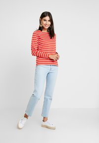 GANT - BRETON STRIPE BOATNECK JUMPER - Long sleeved top - blood orange - 1