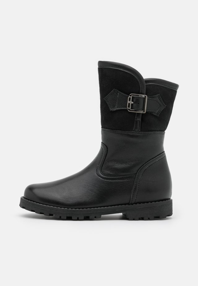 DINA WINTER MEDIUM FIT - Botas - black