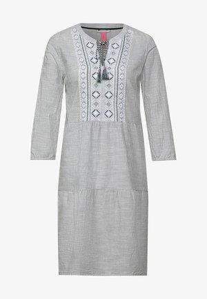 MIT VOLANTS - Day dress - grün