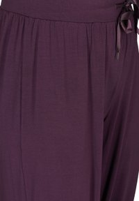 Zizzi - Trainingsbroek - purple - 4
