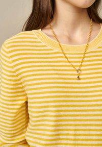 Bellerose - GOPS - Sweatshirt - gelb weiß gestreift - 3