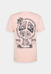 The North Face - HIMALAYAN BOTTLE SOURCE TEE - Print T-shirt - evening sand pink - 1