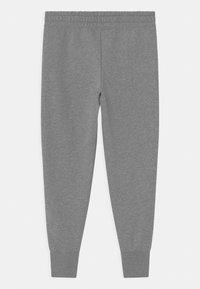 Nike Sportswear - CLUB - Träningsbyxor - carbon heather/white - 1