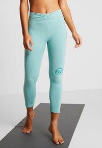 Yogasearcher - SHANTI - Legging - celadon - 0