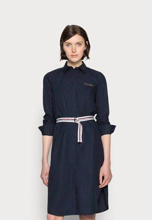 BELTED MIDI SHIRT DRESS - Shirt dress - blue