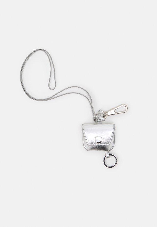 AIRPOD PRO HOLDER - Schlüsselanhänger - silver