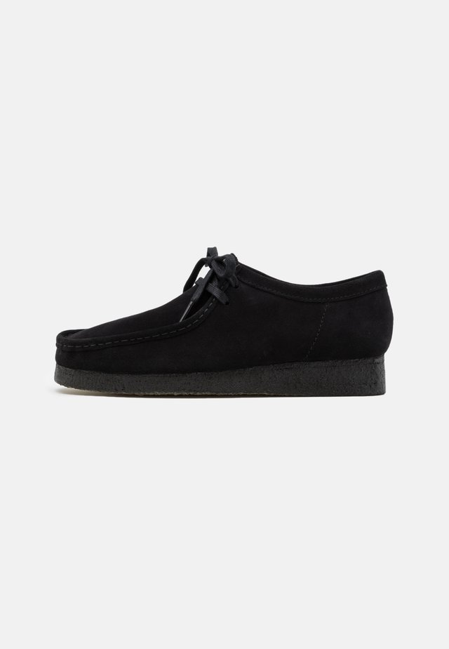 WALLABEE - Zapatos con cordones - black