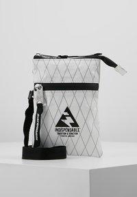 Indispensable - NECKPOUCH - Across body bag - white - 0