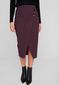 Closet - MIDI PENCIL DRESS - Pencil skirt - maroon - 0