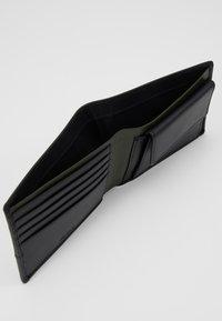 Zign - LEATHER - Peněženka - olive/black - 6