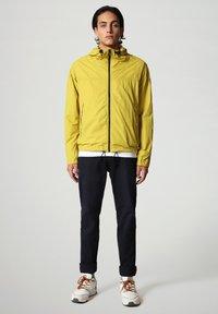 Napapijri - A-CIRCULAR - Outdoor jacket - yellow moss - 1