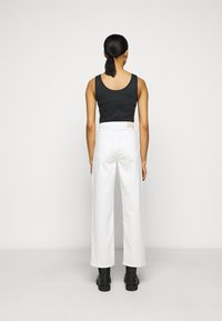 2nd Day - RAVEN THINKTWICE - Straight leg jeans - bright white - 2