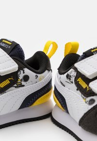 Puma - PEANUTS R78 UNISEX - Sneaker low - black/white/peacoat - 5