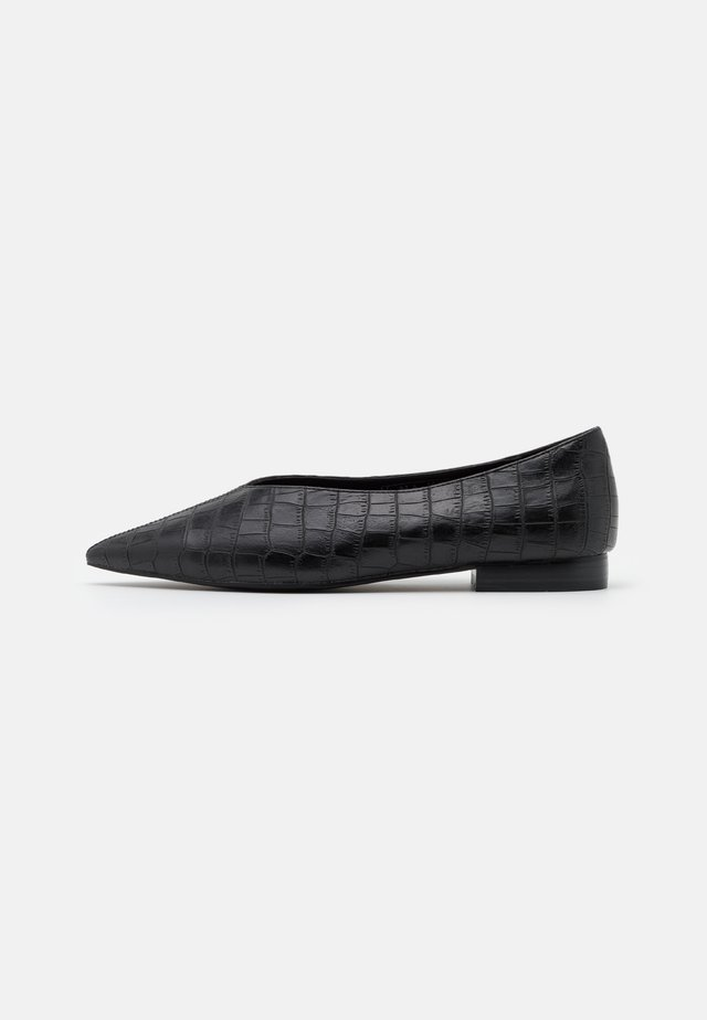 POINTY VCUT  - Ballerine - black