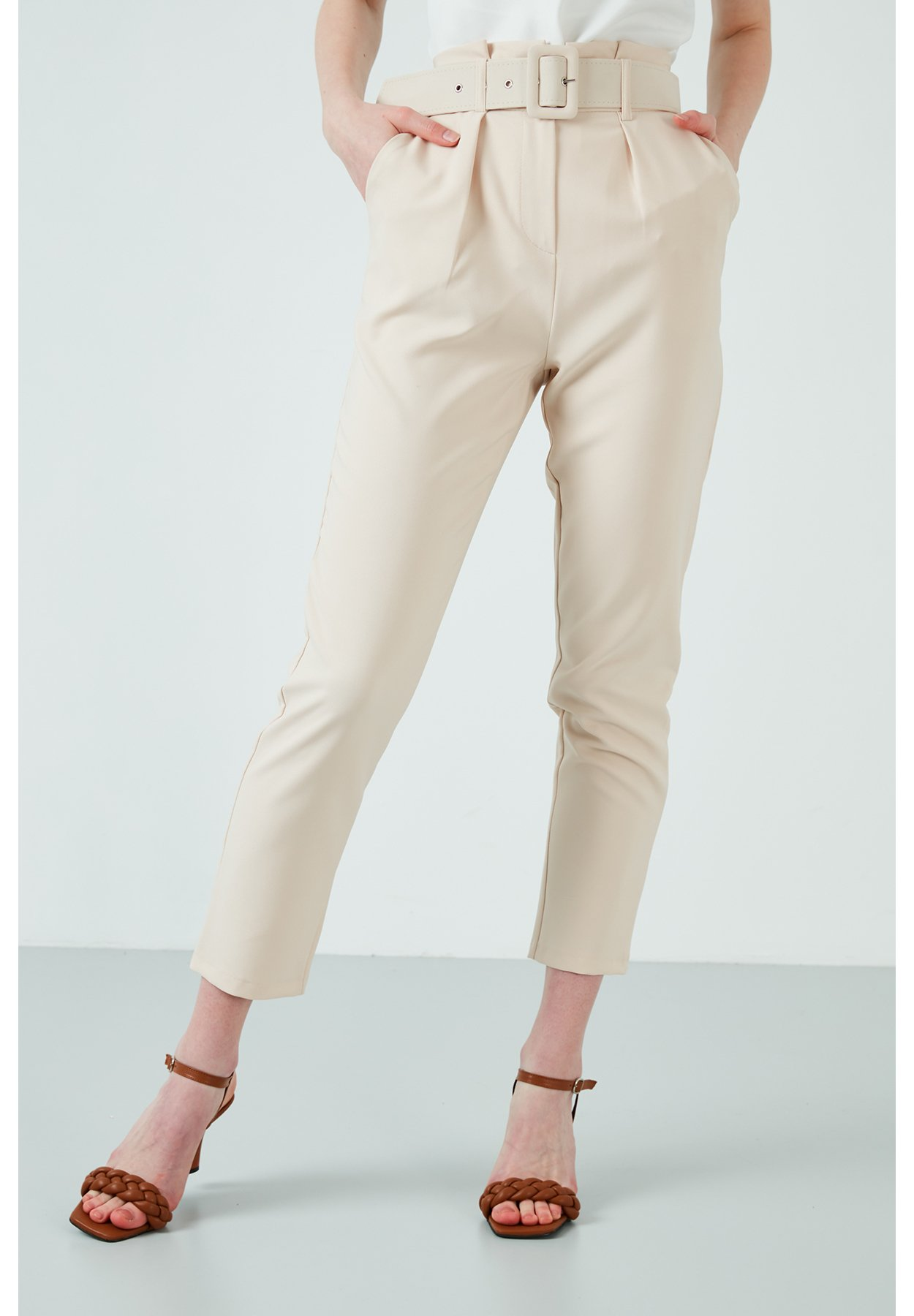 Damen LELA HIGH WAISTED BELTED POCKET TROUSERS WOMEN'S TROUSERS  - Stoffhose