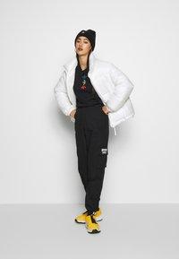 adidas Originals - TRACK PANT - Cargobukse - black - 1