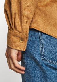 Han Kjøbenhavn - BOXY  - Shirt - brown suede - 5