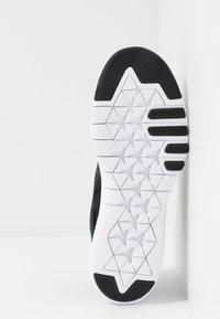 Nike Performance - FLEX TRAINER 9 - Obuwie treningowe - black/white/anthracite - 4