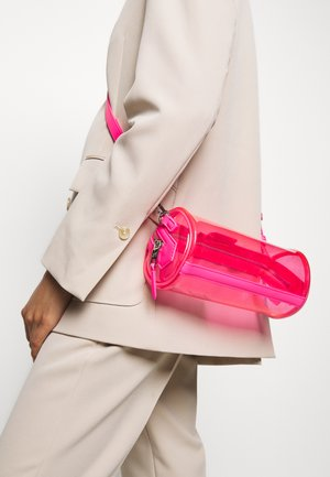 JOURNEY TRANSPARENT BARREL - Across body bag - fuchsia