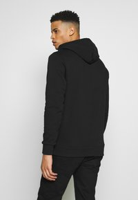 CLOSURE London - BAND STRIPE HOODY - Hoodie - black - 2