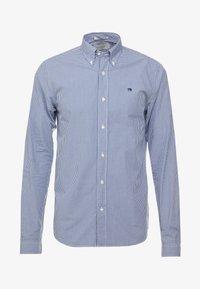 Scotch & Soda - CRISPY REGULAR FIT BUTTON DOWN COLLAR - Shirt - light blue - 4