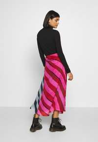 House of Holland - STRIPE GATHERED MIDI SKIRT  - A-line skirt - pink/blue - 2
