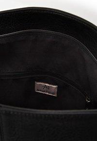 Anna Field - Håndtasker - black - 3