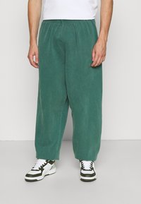 BDG Urban Outfitters - JOGGER PANT - Tracksuit bottoms - deep grass green - 0