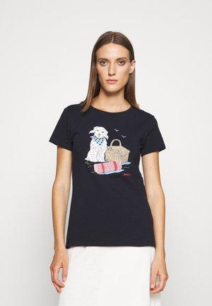 BARBOUR BEACONS TEE - T-shirt z nadrukiem - navy
