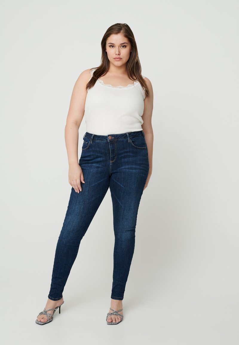 Zizzi - AMY  - Slim fit jeans - blue