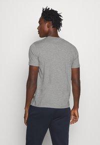 Champion - LEGACY CREWNECK - Basic T-shirt - dark grey - 2
