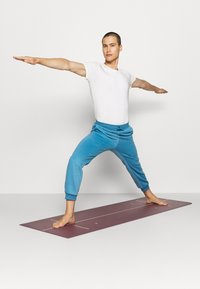 Curare Yogawear - LONG PANTS - Trainingsbroek - light blue - 4