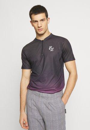 CONTRAST FADE - Print T-shirt - port