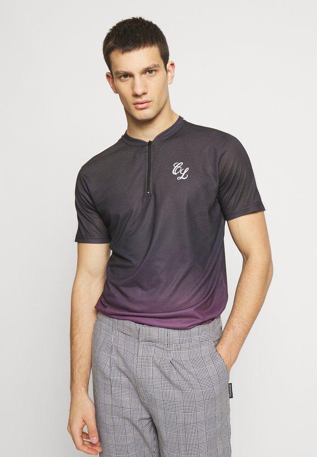 CONTRAST FADE - T-shirt med print - port