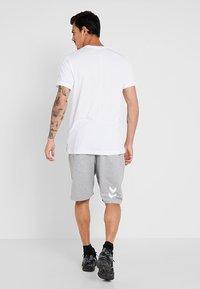 Hummel - HMLGO BERMUDA - Sports shorts - grey melange - 2