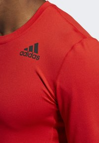 adidas Performance - TECHFIT COMPRESSION LONG-SLEEVE TOP - T-shirt à manches longues - red - 4