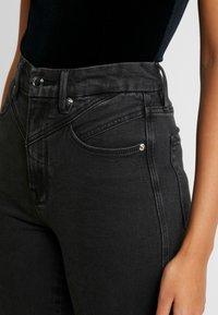 Good American - GOOD CURVE FRONT YOKE - Jeans Skinny - black - 8