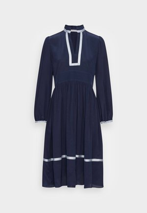 Denní šaty - stormy night