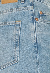 Weekday - AVERY - Džíny Relaxed Fit - washed blue - 5
