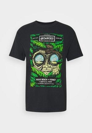 BROOKLYN BROADCAST GARMENT DYE - T-Shirt print - black